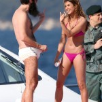 sacha-baron-cohen-murders-elisabetta-canalis-on-a-yacht-01-675x900-009
